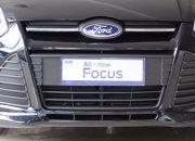 Đầu xe rất cá tính, hiện đại và mạnh mẽ. Chiếc hốc gió đồ sộ hình thang tạo cho chiếc xe vẻ sang trọng, hầm hố mà vẫn lịch lãm. Ngoài ra, chiếc lưới tản nhiệt cũng có khả năng tự động đóng mở nhằm làm gia tăng đặc tính khí động học và khả năng tiết kiệm nhiên liệu của xe.