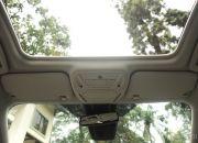 Cửa sổ trời điều khiển điện được trang bị cho 2 phiên bản Titanium+ và Sport+