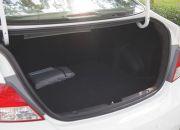 Team đánh giá thực sự rất ấn tượng với độ rộng và phóng khoáng của cốp xe so với một chiếc sedan cỡ nhỏ như Accent.