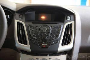 Hệ thống nghe nhìn Ford Focus Trend 2013