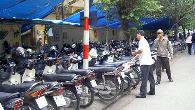 Hà Nội: Phí trông giữ ôtô, xe máy bắt đầu tăng từ tháng 9