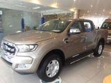 Ford Ranger XLT 4x4 MT GIa tot nhat giao xe ngay ho tro tra gop